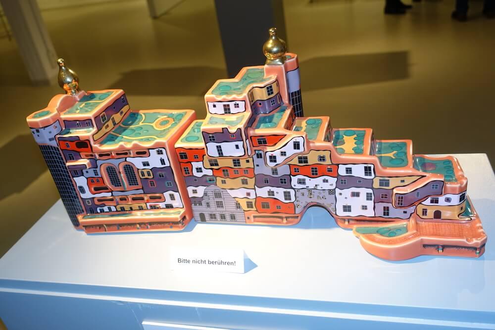 Hundertwasser-Ausstellung-Fabrik-der-Künste-Malen-und-Zeichnen_8
